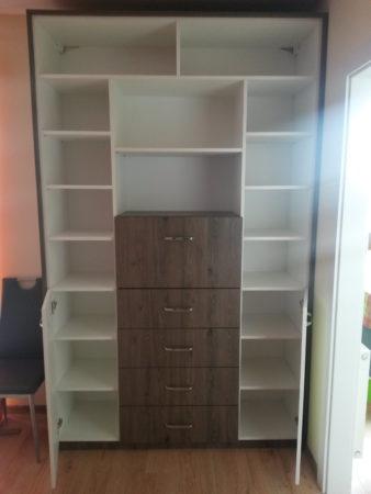 Biblioteczka z funkcją komody